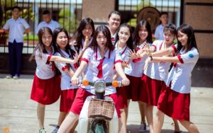Đồng phục trường THPT Trường Chinh